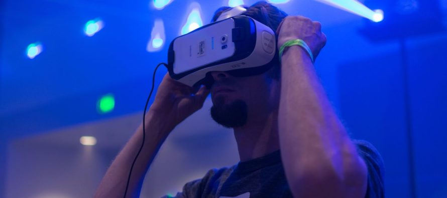 From virtual reality to noise control: how to manipulate the senses to relieve pain